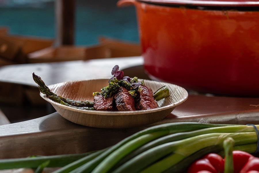 lat-iron-steak-walking-dinner-gastrobar