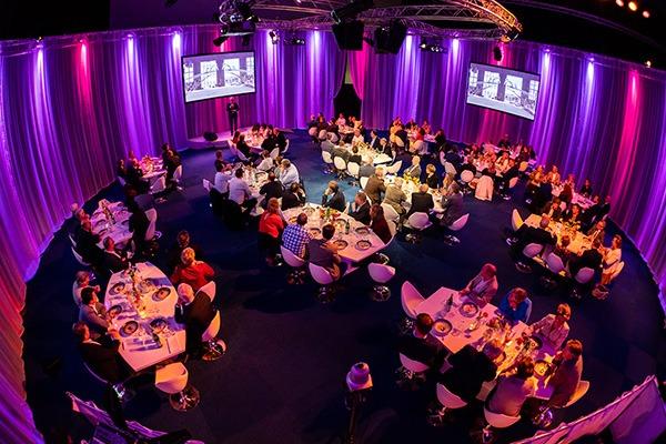 Overzicht-sitting-dinner-Lukkie-theater